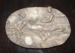 Bronz szecis  domborműves tál - asztalközép 17 cm
