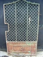 Kovácsoltvas kis kapu bontott
