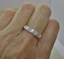 Szépséges  ezüst gyűrű sok kővel