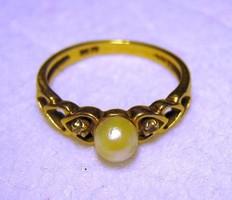 Vintage szív alakú tervezéssel 10 Kt sárga arany gyűrű gyöngyvel és gyémántokal
