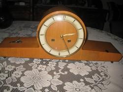 Asztali óra  , FHS  , üzem képes  , erős csengő hangú  , 47 x 20 cm