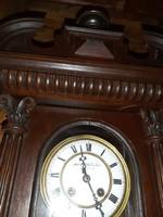 Fali óra antik ónémet stílusú rugós szerkezettel