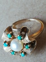 14 karát arany gyűrű türkizzel és gyöngyel