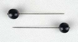 0Z376 Régi fekete köves kalaptű pár