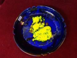 Városlődi kerámia tál, átmérője 24,5 cm. Kék/sárga mintás.