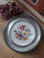 Porcelánbetétes ón tányér