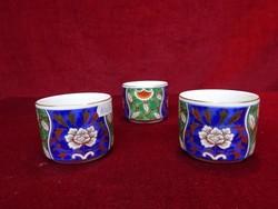 Japán porcelán teáscsésze, átmérője 7 cm, magassága 6 cm.