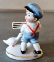 Régi Wagner & Apel porcelán miniatűr kisfiú libával