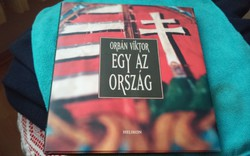 Orbán Viktor által dedikált könyv