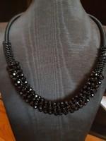 Bizsu ékszerek kiárusítása, fekete gyöngyös nyakék