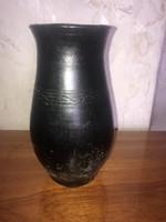 Régi váza (sérült)