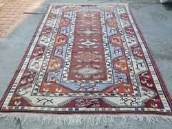 Anatóliai kézi csomózású szőnyeg 293 x 204 cm