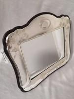 Ezüst keretes asztali tükör.