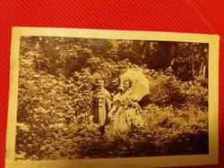 Antik fotó képeslap film jelenet a képek szerint