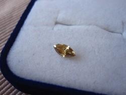 Ritkaszép sárga gyémánt drágakő navett csiszolású, eladó gyűjtői hagyatékból