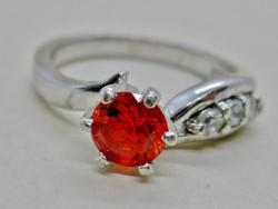 Szép ezüst gyűrű gyönyörű kövekkel