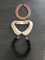 Három nyakék, nyaklánc, gyöngyös gallér, szivárvány és fekete