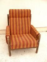 Kárpitozott fotel karfás esztergált lábú