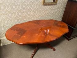 Neobarokk dohányzó asztal