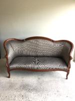 XIX. század végi amerikai kanapé