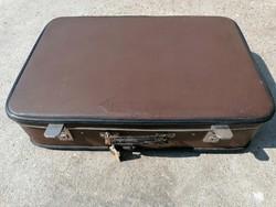 Régi bőrönd (374)