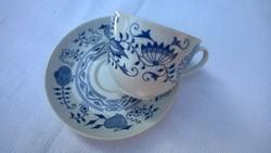 Hagymamintás -meisseni mot.-teáscsésze-kapuccínós csésze tányérral 30-as évek