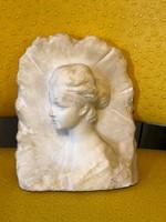 Alabástrom női mellkép szobor