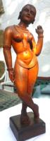 Keleti női akt faszobor