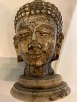 Keleti Buddha fej kőből