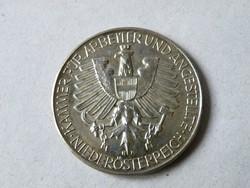 KK749 ezüst emlékérem Ausztria 25 év a nemzetgazdaság szolgálatában éremtartóban