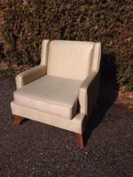 Gyönyörű luxusus fotel