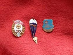 Orosz helikopteres, ejtőernyős, katonai jelvények.
