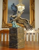 Repülő sas - bronz szobor