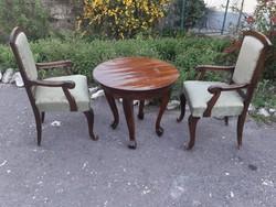 Restaurált neobarokk szék, asztal.