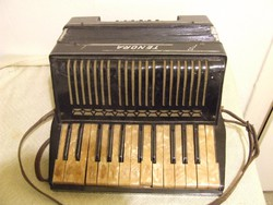 Record Tenora harmonika, tangoharmonika, akár dekorációnak is
