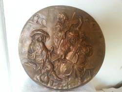 falitányér tányér kép réz vagy bronz?? jó nehéz