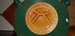 Sarreguemines-i fajansz kínáló osztott tányér