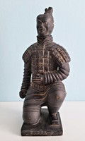 Kínai agyagkatona szobor