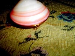 Antik  rózsaszín kagylóból réz szerelékkel ékszertartó