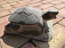Valódi kő, keleti vízköpő teknős!