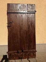 Padlás ajtó