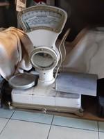 Mérleg régi konyhai eszköz dekoráció 100.000  forint