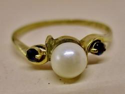 Gyönyörű aranygyűrű valódi gyöngy és zafír