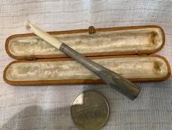 Ezüst szipka fehér csonttal 1910 évekből.