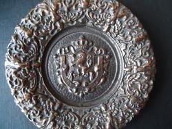 Címeres réz vagy bronz fali dísztál