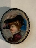Női portré porcelánon ezüst kerettel bross