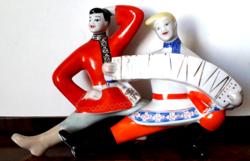 Retro orosz porcelán szobor néptáncos népviseletes harmonikás figura