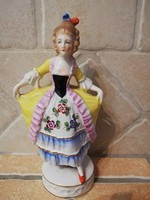 Sitzendorf-i bájos antik hölgy 16 cm