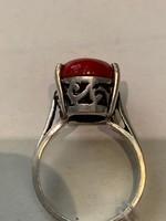 Ezüstgyűrű piros jáspiskővel