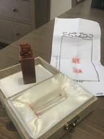 Kínai faragott pecsétnyomó ásványból dobozában